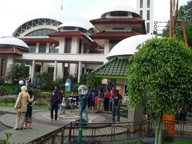 Masjid Atta'awun Puncak