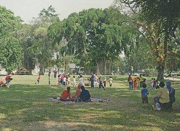 Taman Balekambang 1
