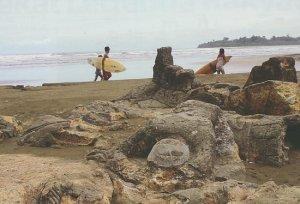 Pantai Air Manis Lekat Legenda Rakyat