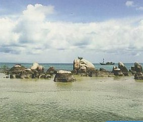 Pesona Pantai Belitung Timur