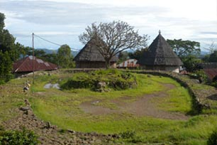 Compang Ruteng, Desa Tradisional yang Eksotis