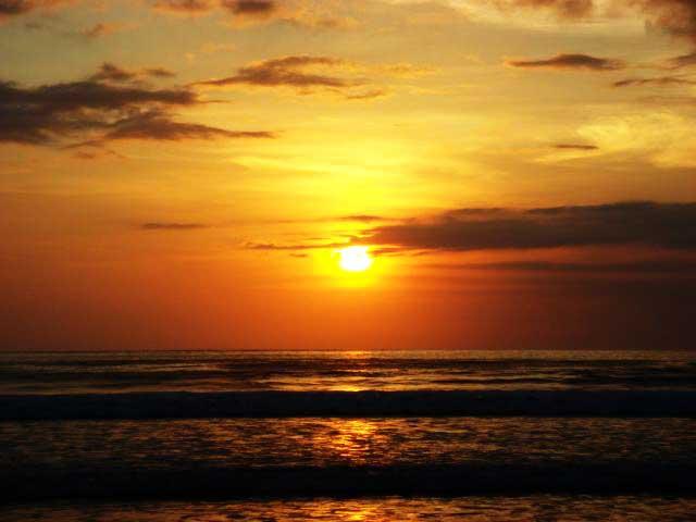 Hikayat Pantai Kuta Bali