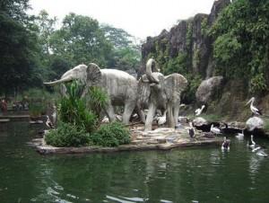 patung-gajah-kebun-binatang-ragunan