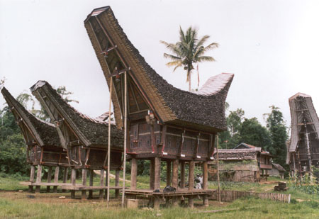 Tana Toraja Andalan Wisata Sulawesi Selatan