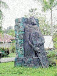 Melongok Gerbang Utara Borneo