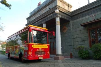 Menelusuri Jejak Warisan Surabaya dengan City Sightseeing Bus Pertama di Surabaya