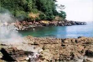Pantai Wartawan, Objek Wisata Bernama Unik