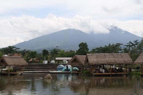 Wisata Keluarga di Rumah Air Bogor